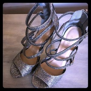 Shoe dazzle strappy silver glitter stilettos 😍😍